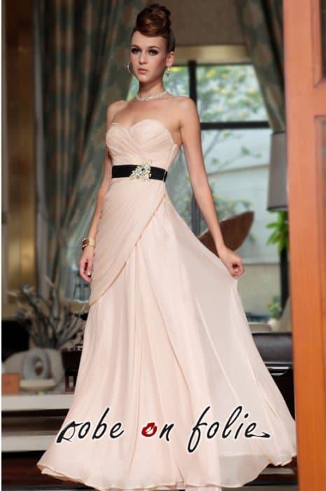 Robe de soirée chic   à chaque morphologie, sa robe 069dd80f8036