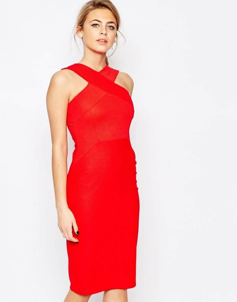 14c03af254d Robe rouge   La robe qu il vous faut pour être élégante