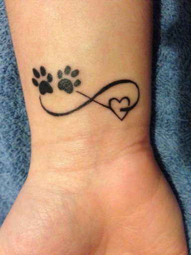 Tatouage infini patte de chien