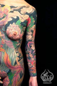 Tatouage japonais femme corps