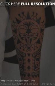 Tatouage maorie bras