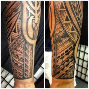 Tatouage maorie bras manchette