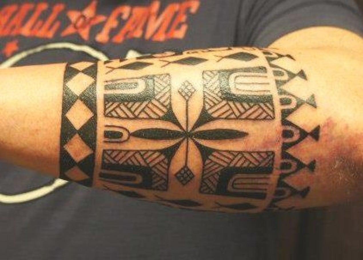 240 id es de tatouages maorie homme femme signification. Black Bedroom Furniture Sets. Home Design Ideas
