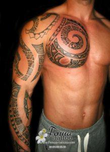 Tatouage maorie bras et pec