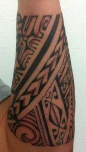 Tatouage maorie couleur