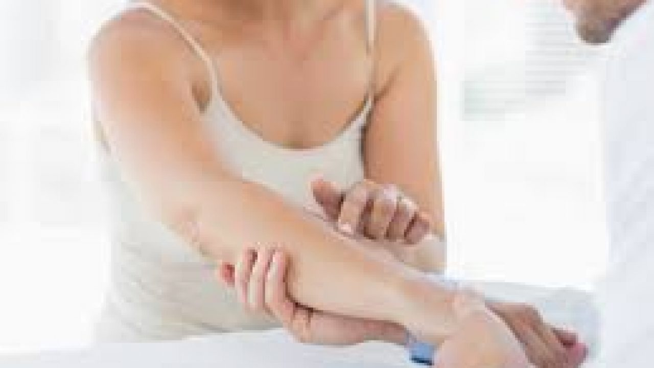 Mal au bras gauche : comprendre et réagir
