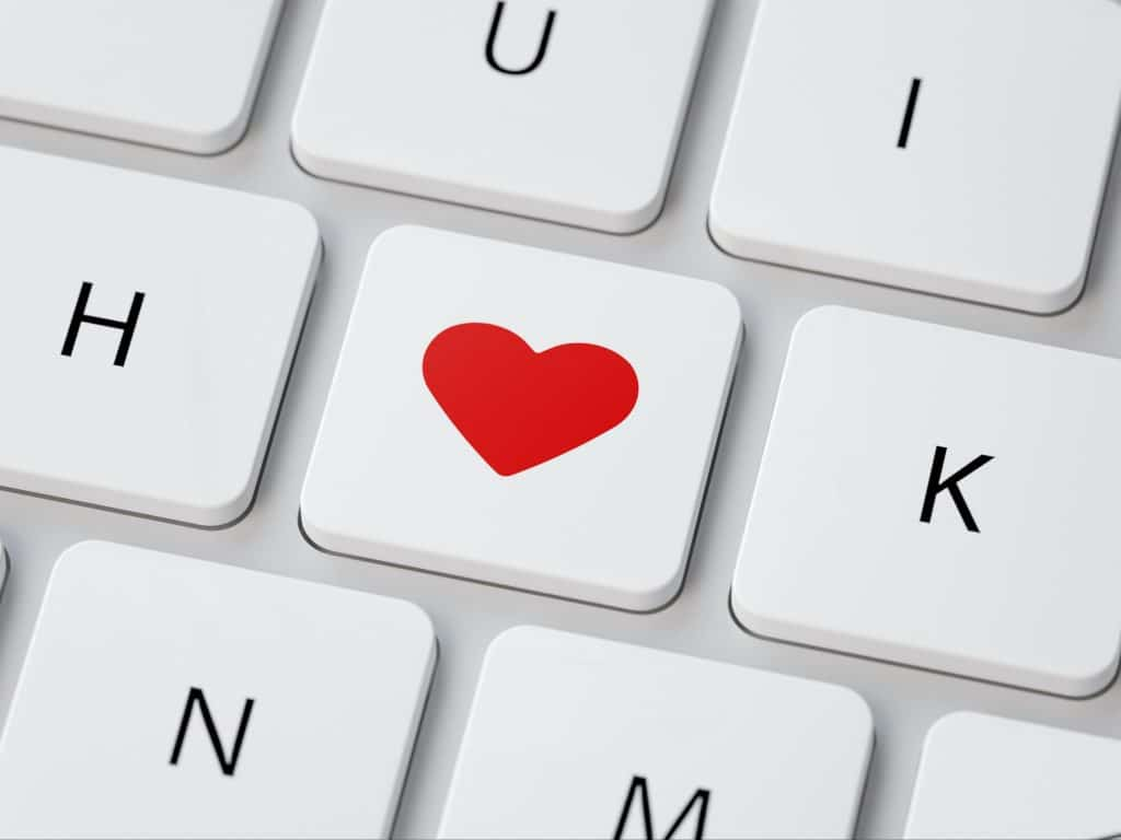 comparing online dating websites