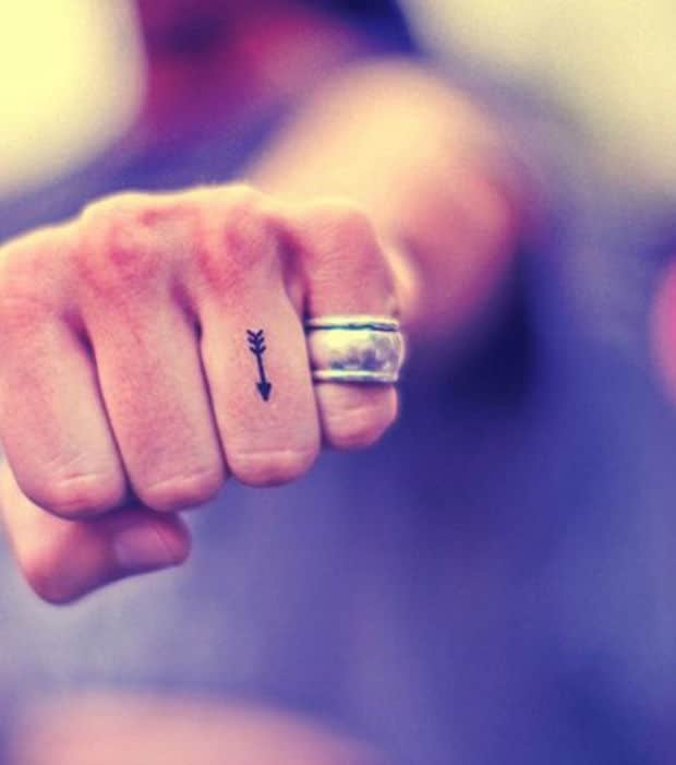 34 id es de tatouages doigt homme femme signification. Black Bedroom Furniture Sets. Home Design Ideas