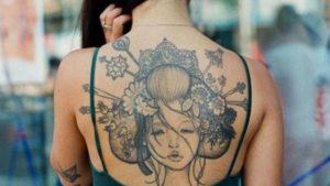 Tatouage japonais dos femme