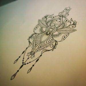 Tatouage mandala femme avant bras dessin
