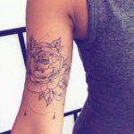 Tatouage mandala pour femme sur l'avant bras