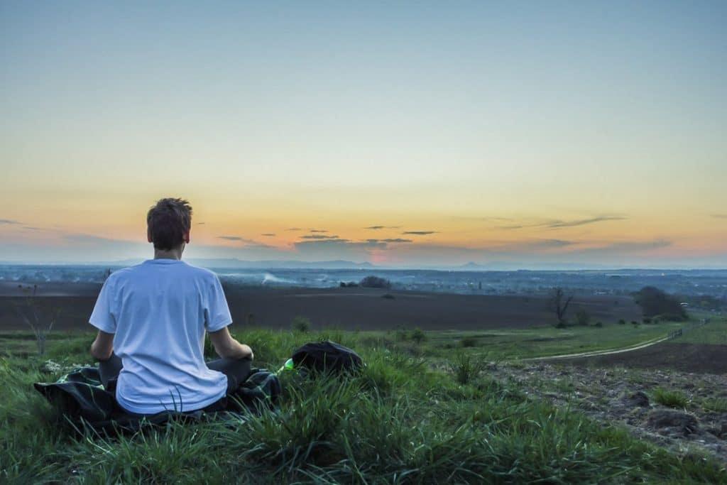 Se détendre : les gestes à adopter pour se relaxer efficacement