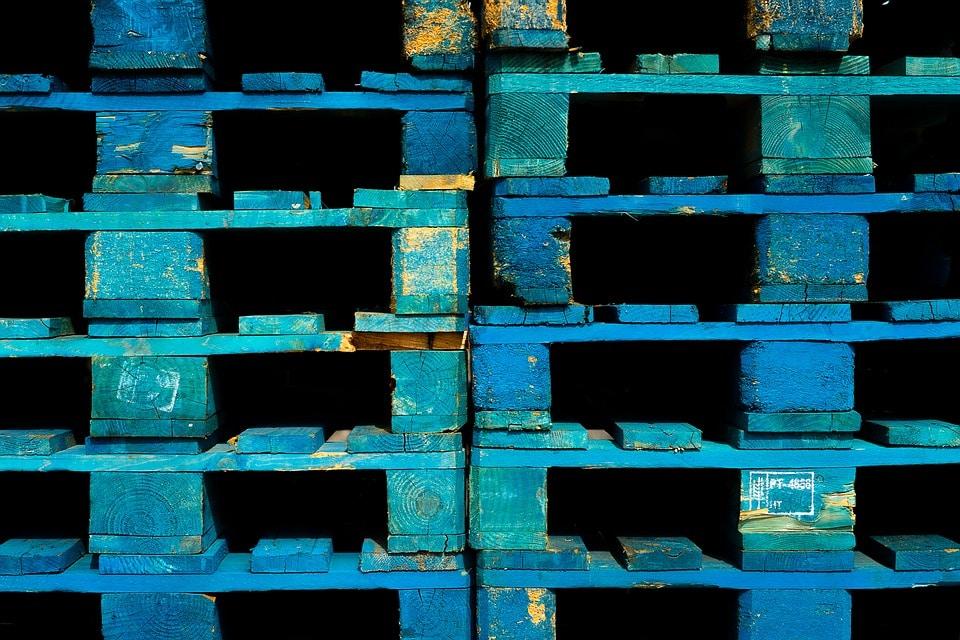 Quoi faire avec des palettes en bois: les différentes utilisations pratiques et décoratives