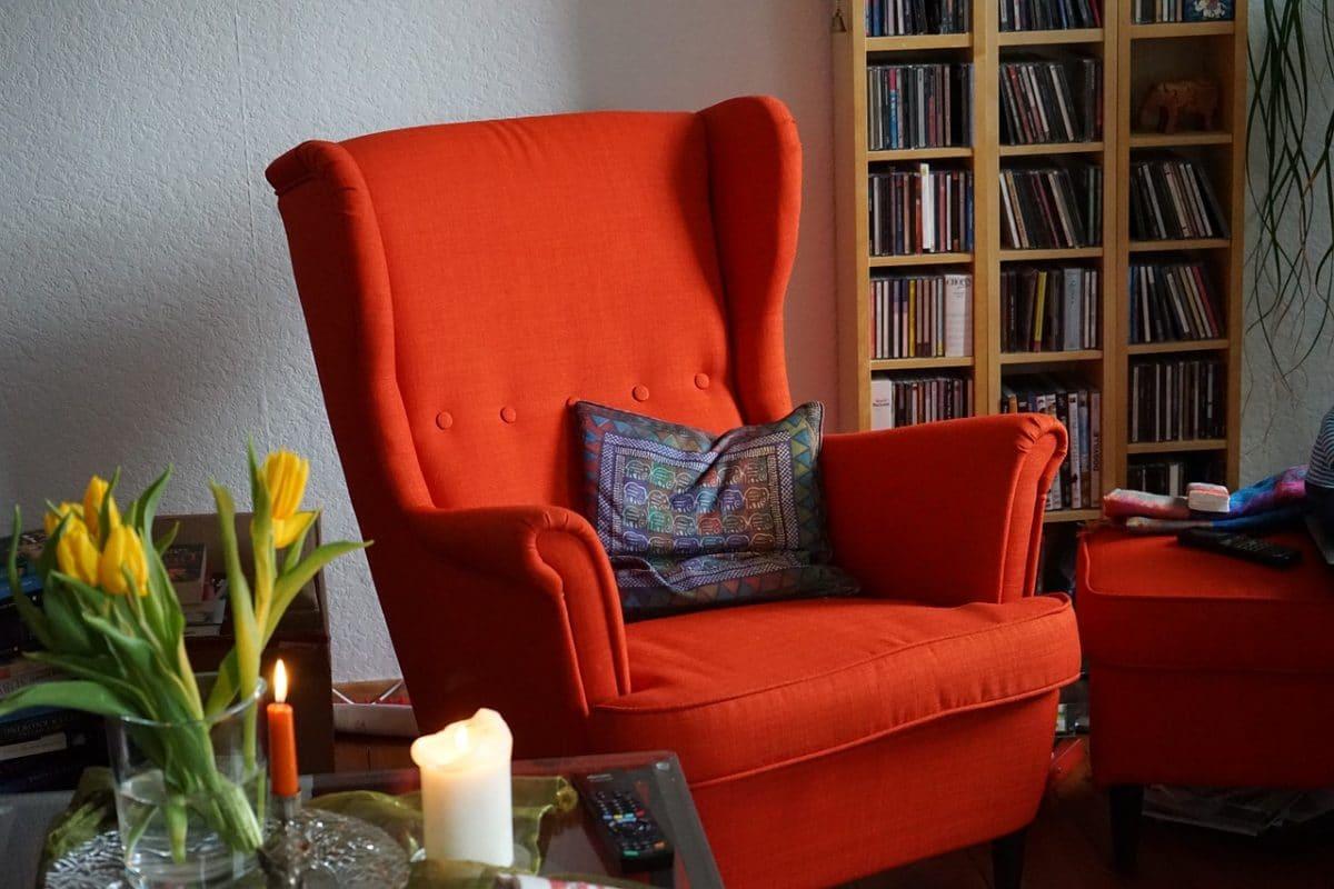 Comment Tapisser Une Chaise Ancienne comment retapisser un fauteuil : ne jetez plus vos fauteuils