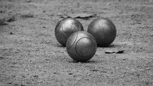 boules de pétanque sur une compétitition officielle