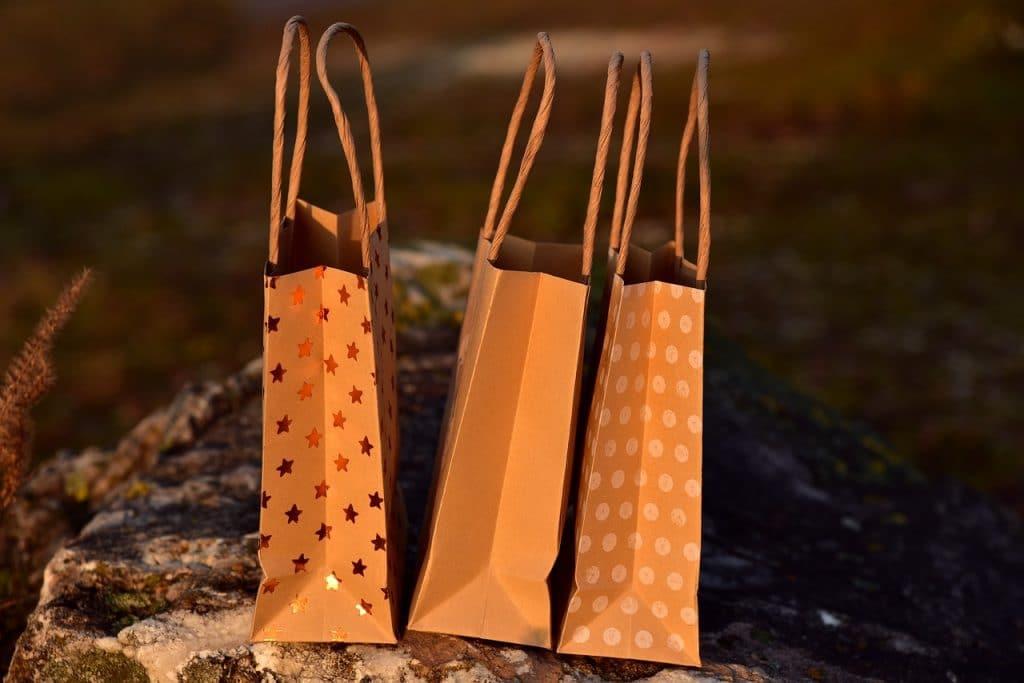 Le sac kraft est parfait pour la vente à emporter